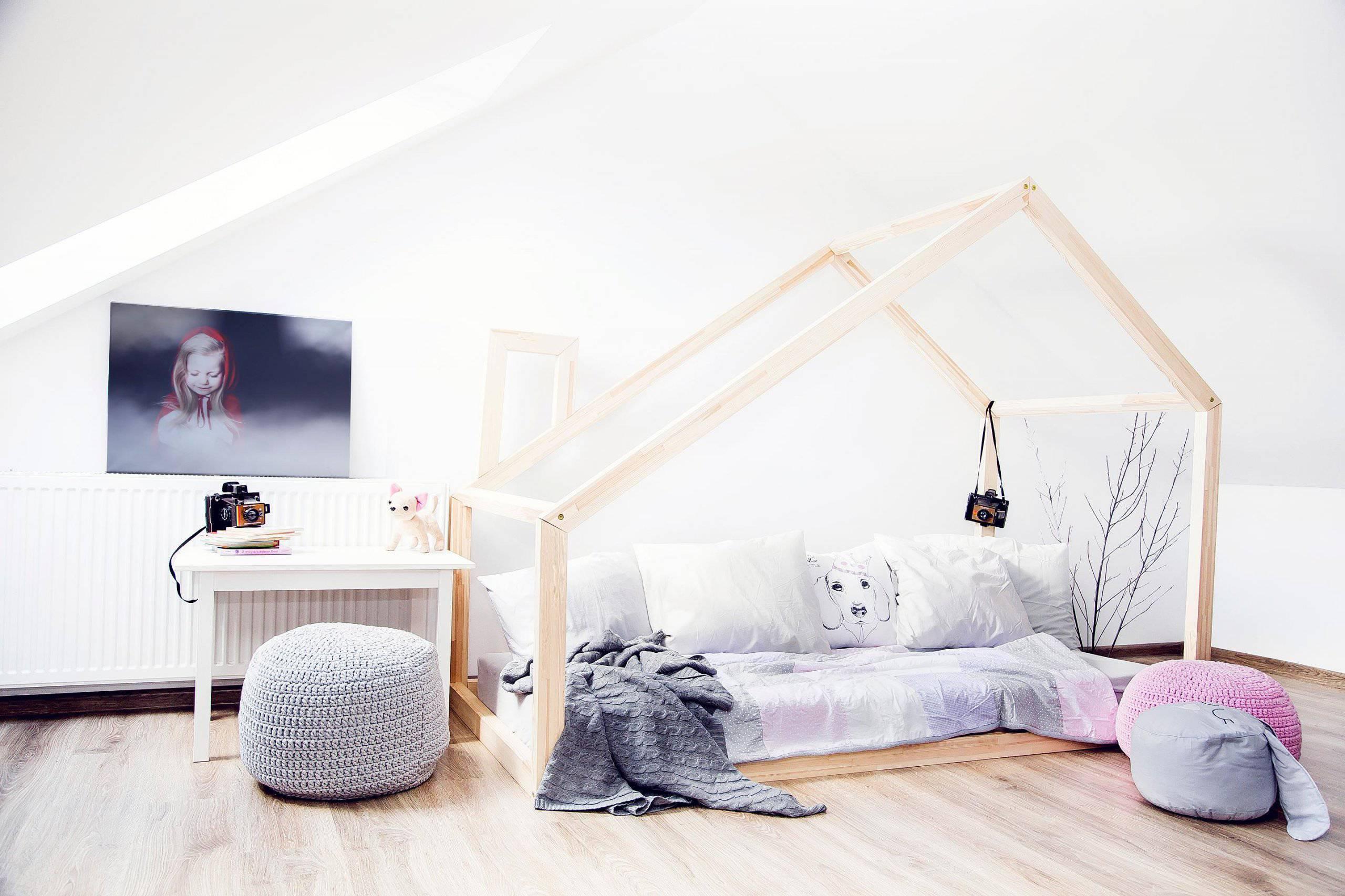 quarto montessoriano branco