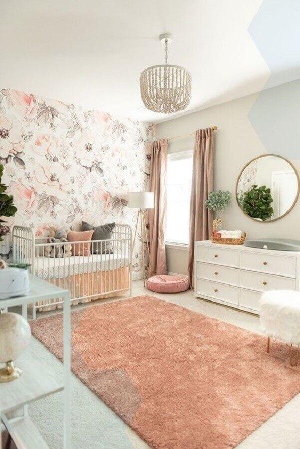 tapete para quarto de bebê menina decorado com papel de parede floral Foto Sexy Mama Maternity