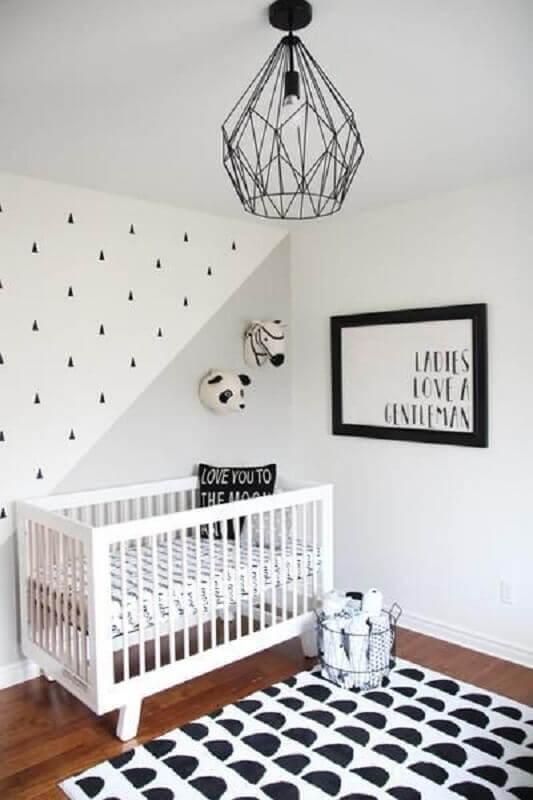 tapete preto e branco para quarto de bebê decorado com estilo minimalista Foto Pinterest