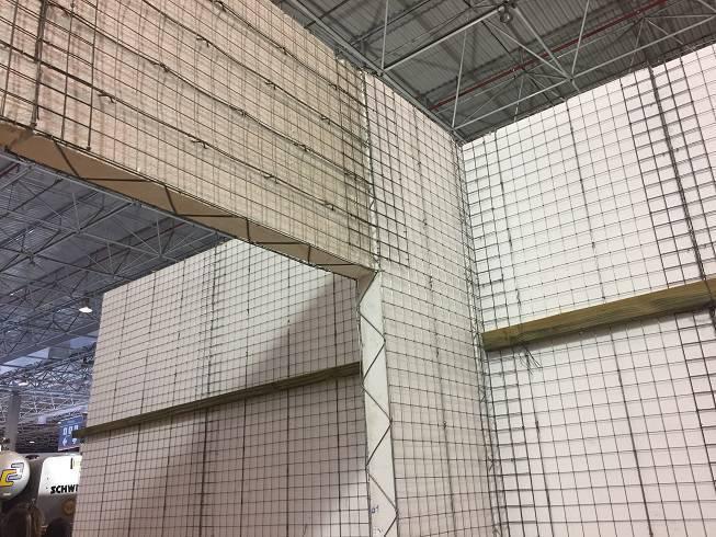Um dos destaques foi o Ecogrid, método de construção sustentável da LCP Engenharia e Construções. Ele utiliza painéis de EPS (parecido com isopor) com telas e treliças de ferro galvanizado ao redor, ligados uns aos outros com grampos de aço de alta resistência. Propicia uma obra 40% mais rápida, melhor desempenho térmico e acústico.