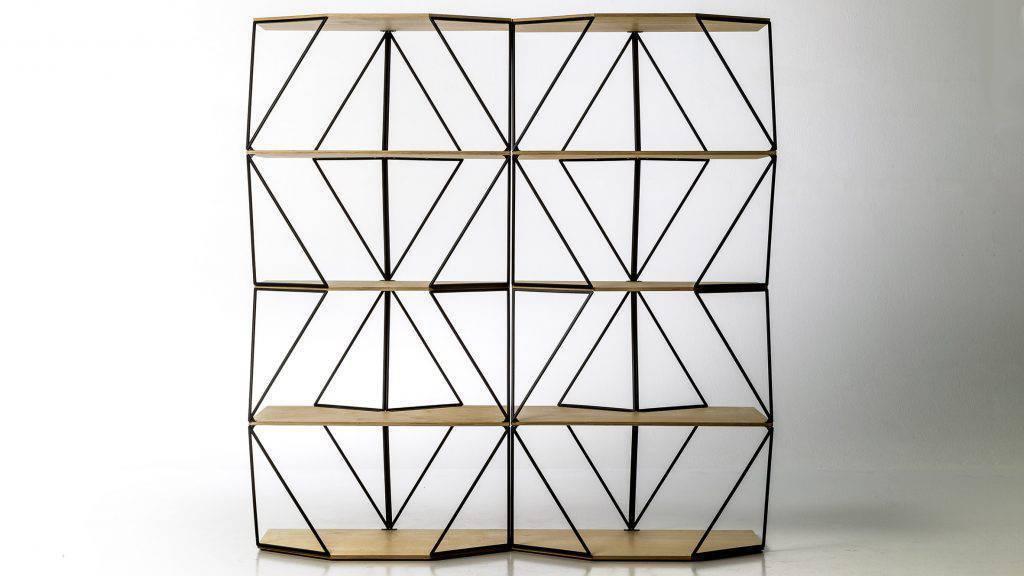 Olafur Eliasson desenvolveu para a Moroso a coleção Green Light, que trabalha o frame triangular e as formas de ziguezague em aço, criando novos padrões.