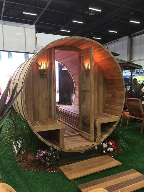 A Mostra Área Externa e Lazer, em parceria com a Multiforma, promoveu uma experiência sensorial com ofurôs, macas e ambientes como esta sauna.