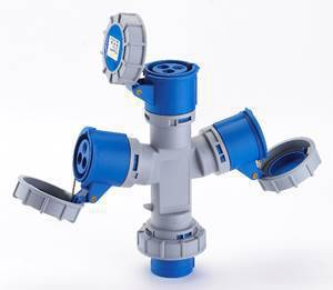 As tomadas múltiplas Newkon® e Shock Tite®, da Steck, possuem um plugue e três saídas, que multiplicam os pontos de tomada da instalação.