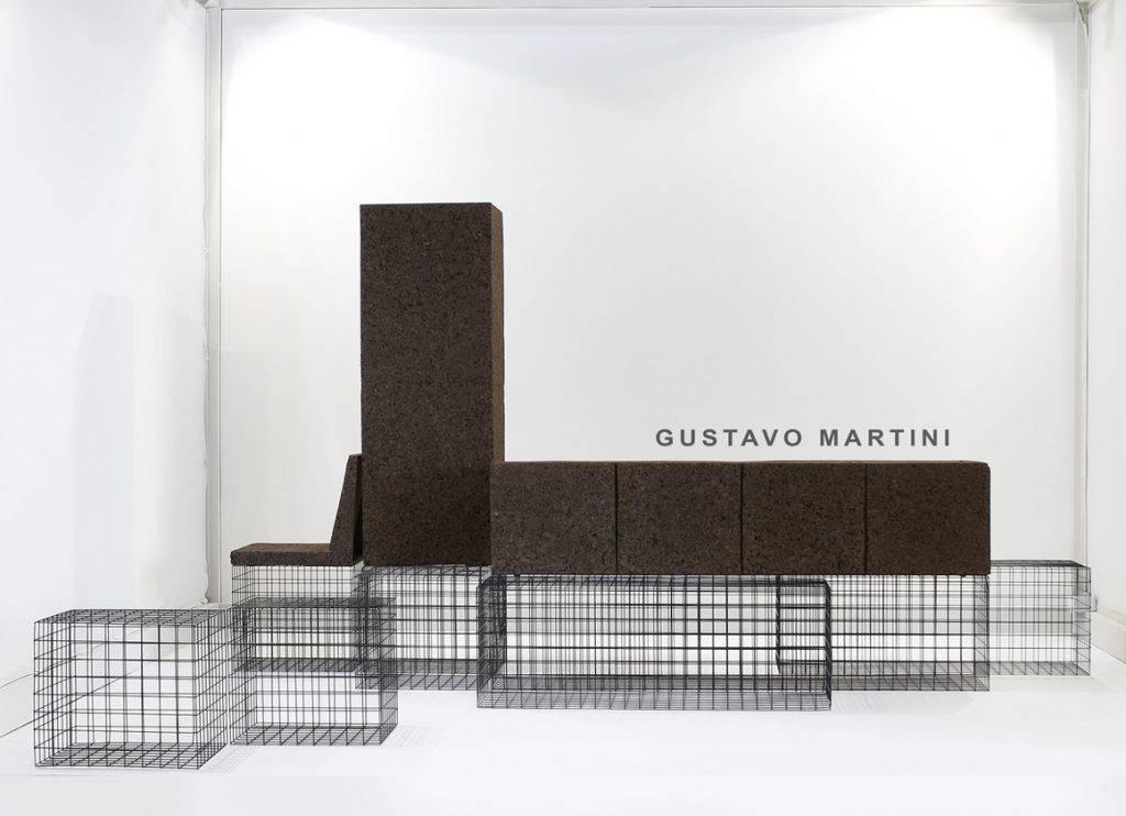 O brasileiro Gustavo Martini veio com o objeto híbrido The Grove, com estrutura aramada que possibilita diversos formatos.