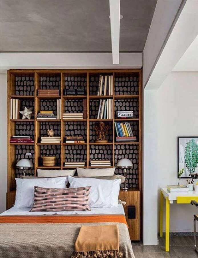 nichos para quarto feito estante para cabeceira