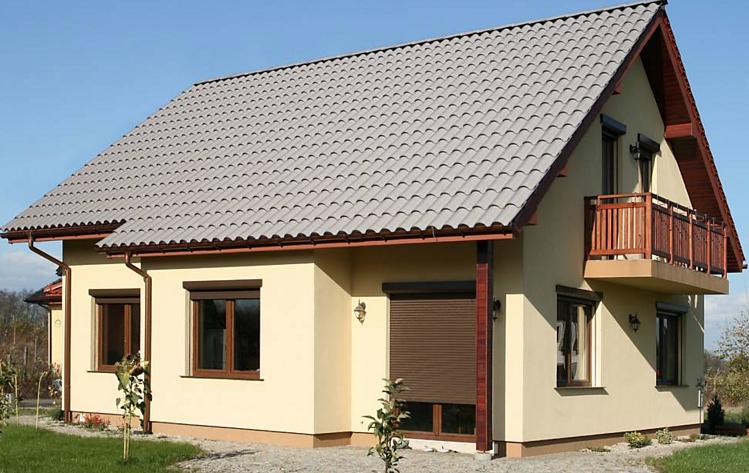 A Brasilit mostra o novo design das telhas termoacústicas TopSteel e a telha Colonial, que reduz em até 25% o madeiramento da estrutura da casa.