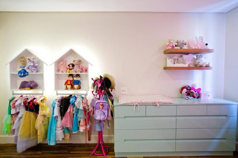 nichos para quarto de menina com iluminação