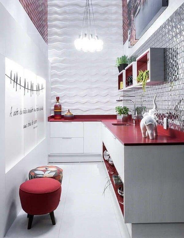 Evite excessos na cozinha vermelha