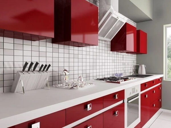 Na cozinha vermelha procure usar alguns focos de destaque para essa cor