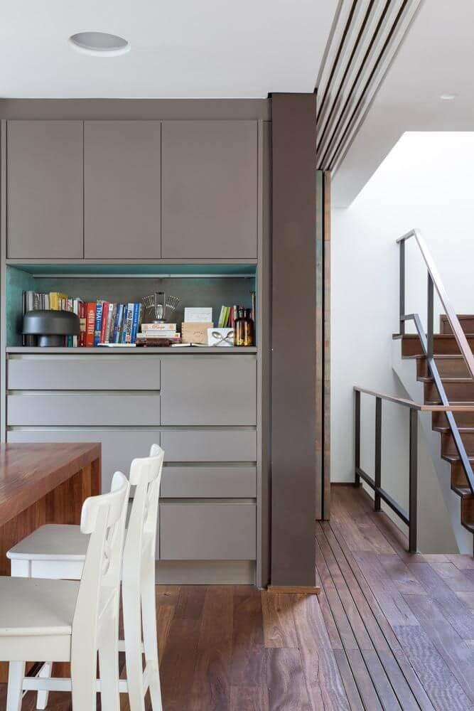 Ambientes integrados com piso de madeira Projeto de Ornare