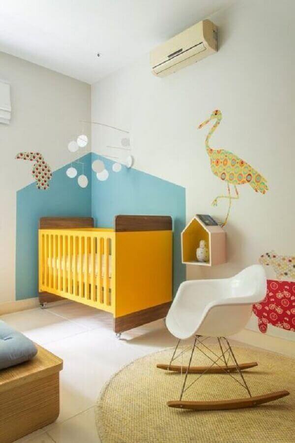 adesivos para quarto de bebê com berço amarelo Foto Isa Dantas - Fotógrafa