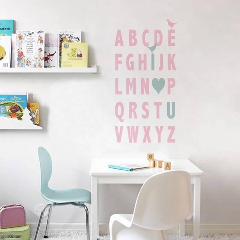 adesivos para quarto de bebê com cantinho de brincadeira Foto Mundo Ovo