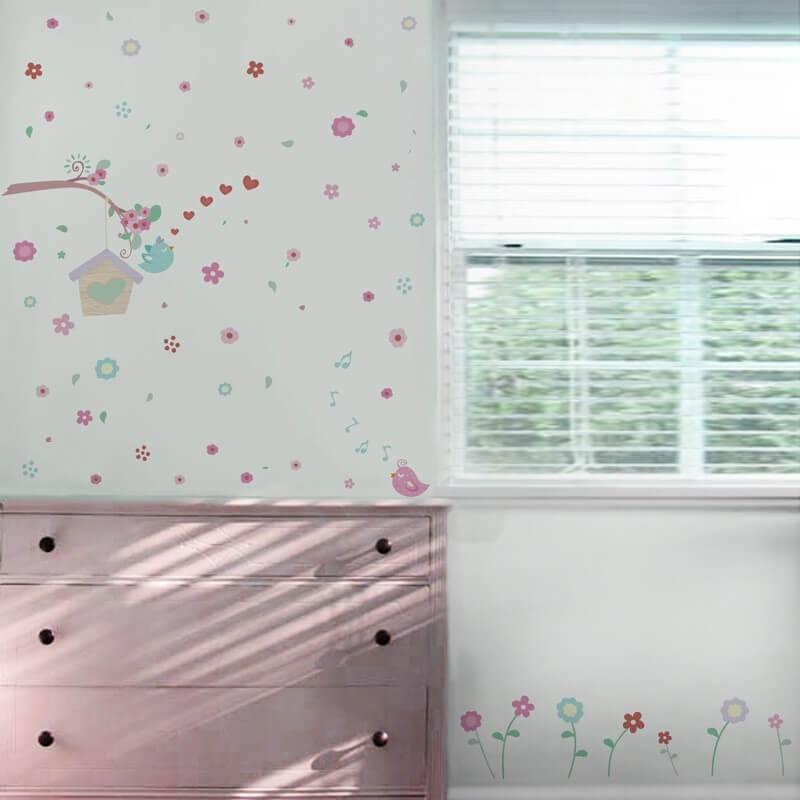 adesivos para quarto de bebê de passarinho e flores Foto Mundo Ovo
