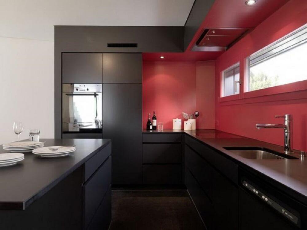 cozinha vermelha e preta