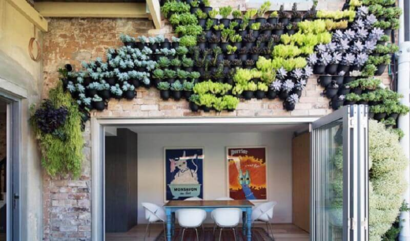 ardins verticais também são conhecidos como parede verde ou parede viva