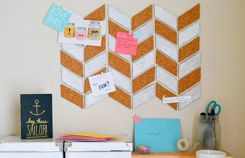 decoração com quadro de recados home office