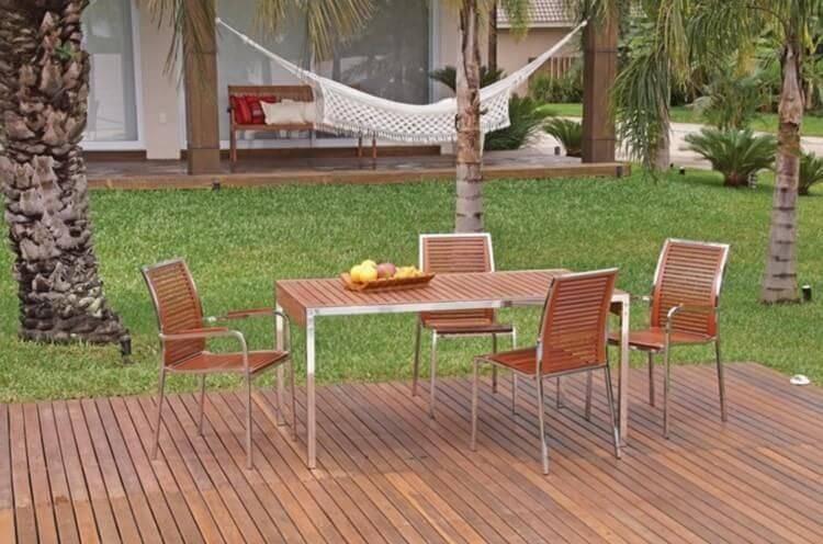 Piso de madeira no jardim com deck Projeto de Madeira Madeira