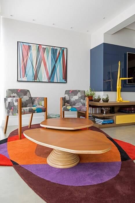 apartamento colorido decorado sala de estar com tapete