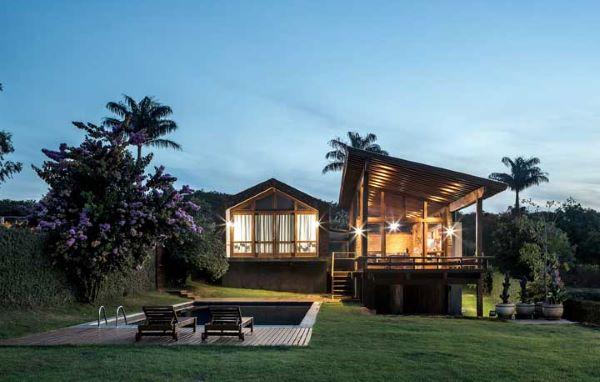 Casas de campo grandes e modernas