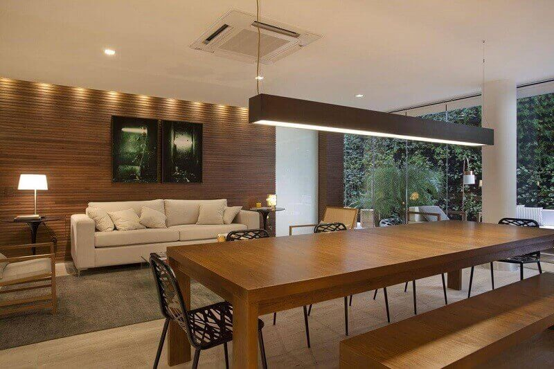 Decoração de sala de estar em casa de campo
