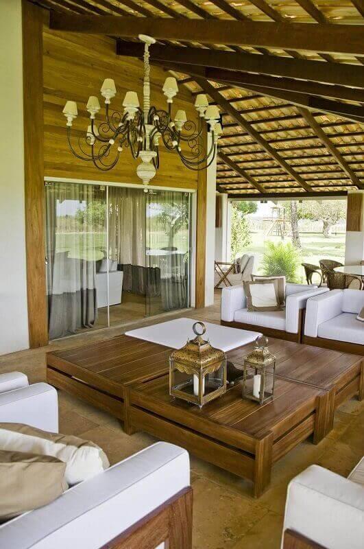 Decoração com lustre casa de campo