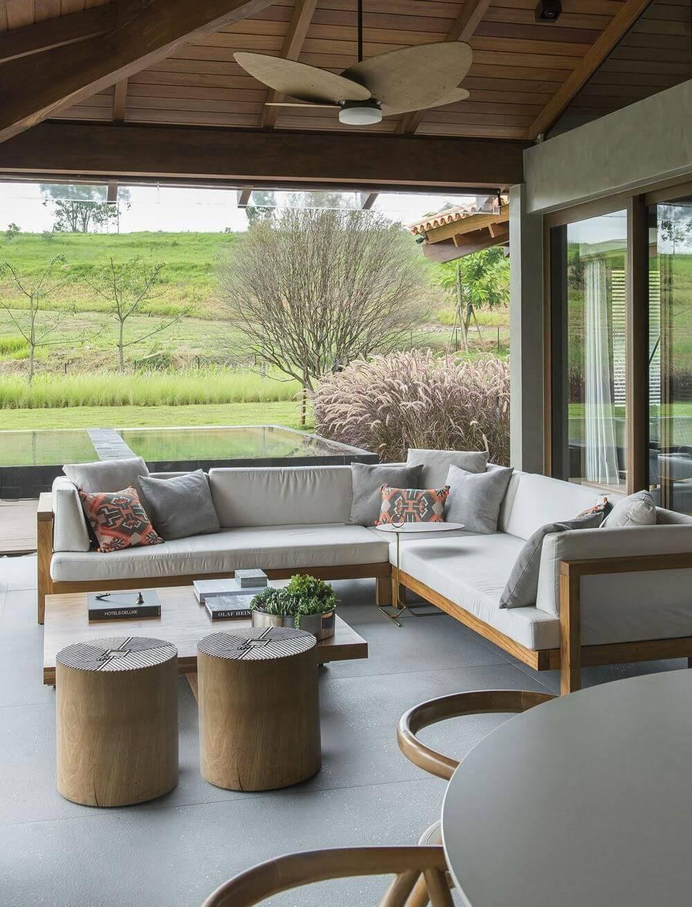 70 modelos de casas de campo para inspirar voc for Casas con piscina interior fotos