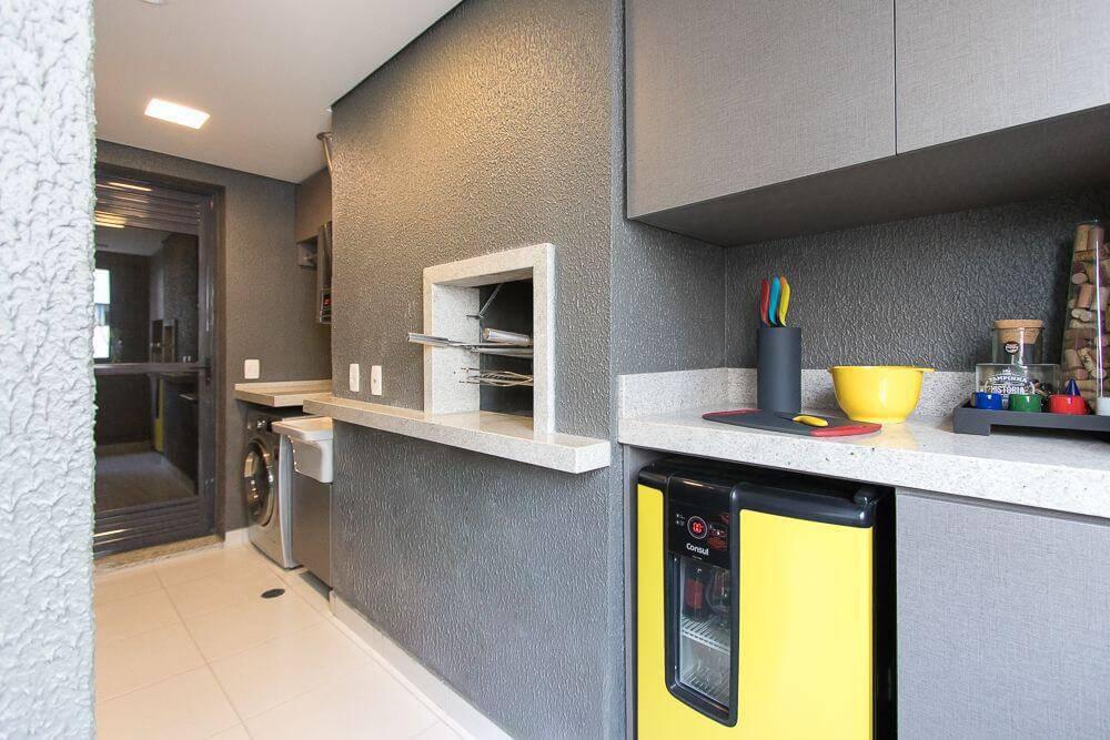 churrasqueira pre moldada parede com textura mauren buest 145751