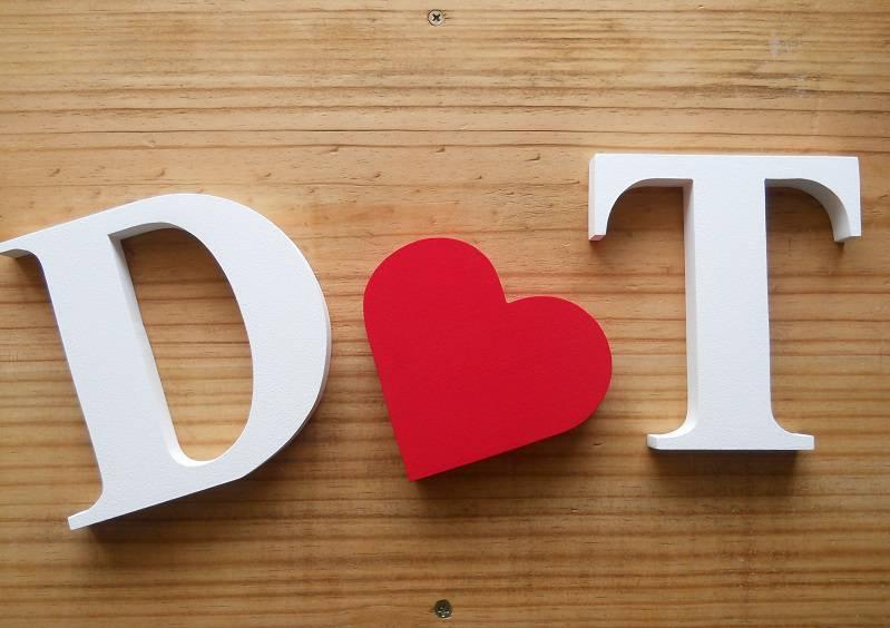 decoração dia dos namorados - letras mdf