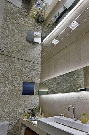 Espelho para banheiro no teto Projeto de Gislene Lopes