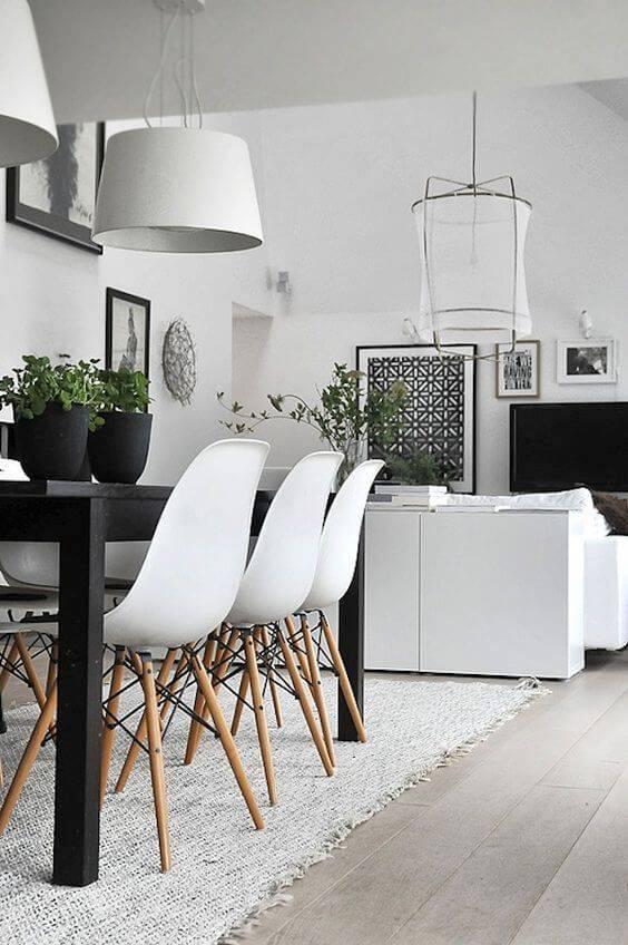 Sala de jantar decorada com estilo escandinava
