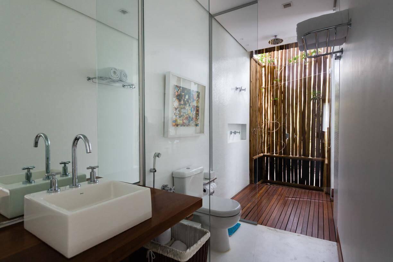 casa de praia banheiro com bambu amc arquitetura 90882