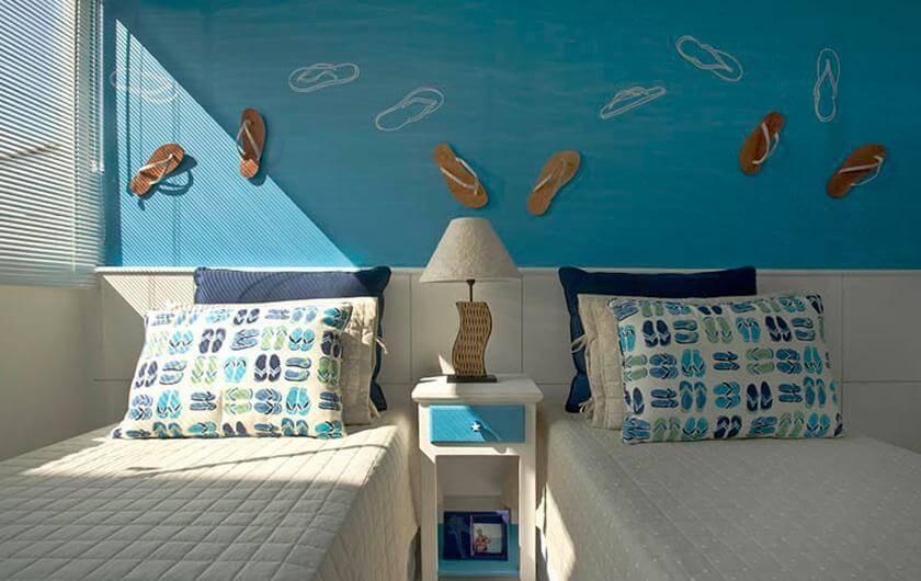 casa de praia quarto de solteiro chinelos idalia daudt 101595