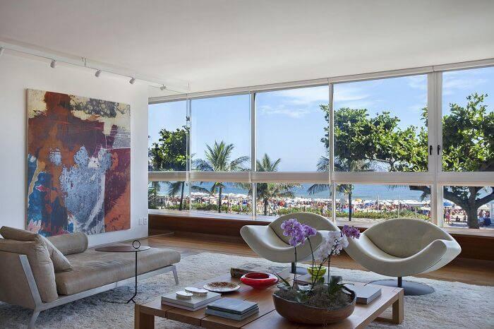 casa de praia sala de estar com janela grande escala arquitetura 3115