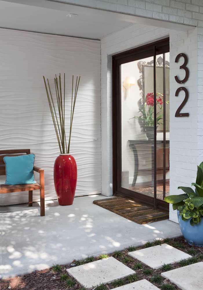 Como aplicar textura de parede na sala de estar moderna