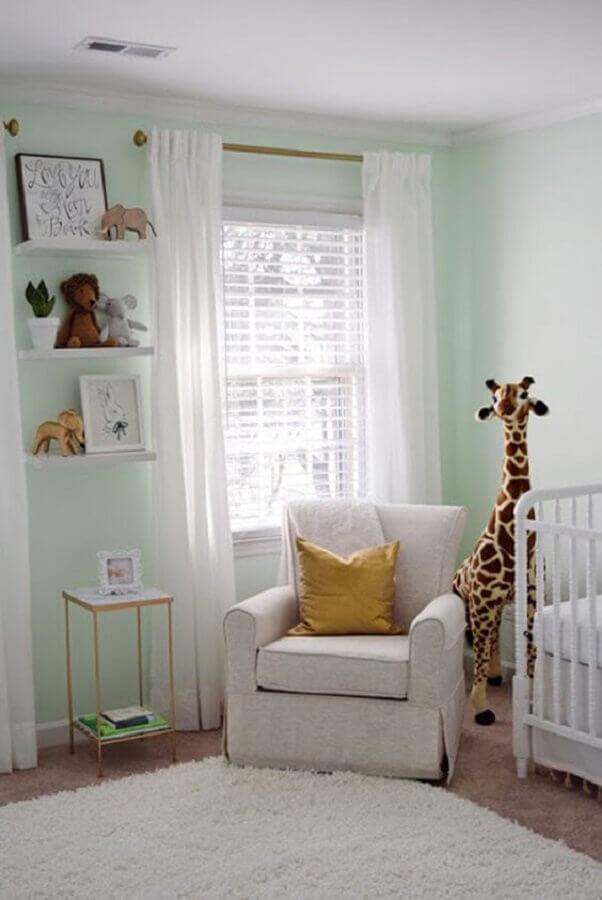 decoração de quarto de bebê com poltrona de amamentação confortável Foto Pinterest