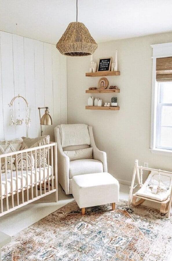 decoração em cores neutras para quarto de bebê com poltrona de amamentação bege Foto Home Fashion Trend
