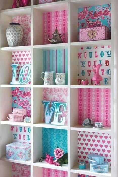 estante com fundo decorado revistavdv 81804