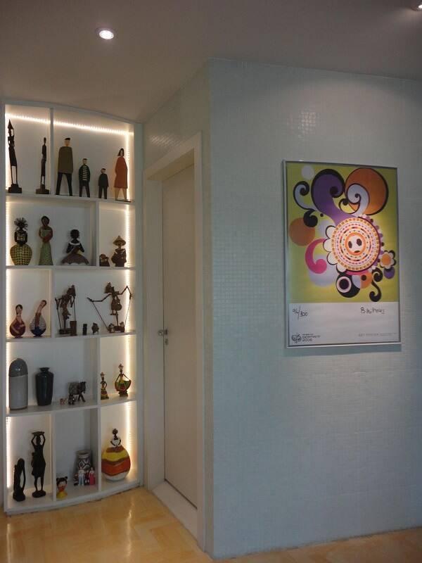 estante de nichos coleção com led maria helena torres 101271