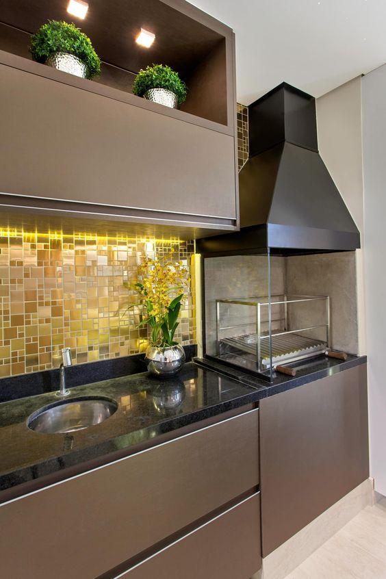 Pastilhas adesivas na cozinha