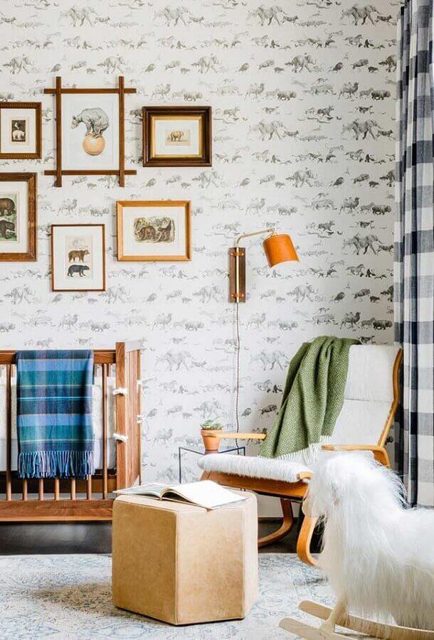 poltrona de amamentação com balanço para decoração de quarto de bebê simples Foto Houzz
