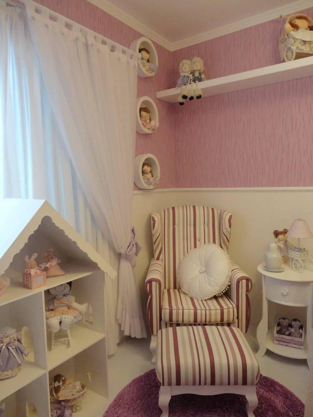 poltrona de amamentação listrada quarto de menina fernanda guiz 15337