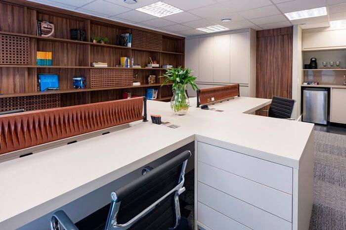 relato de projeto mis arquitetura mesas de trabalho