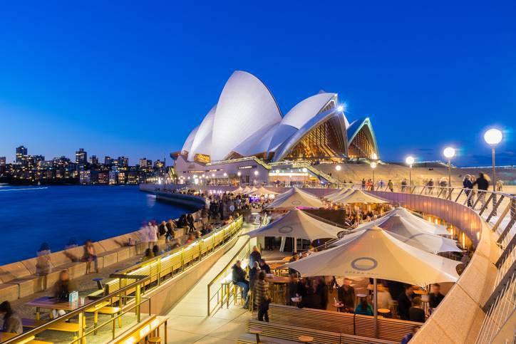 Arquitetos famosos - Jorn Utzon - Opera House de lado