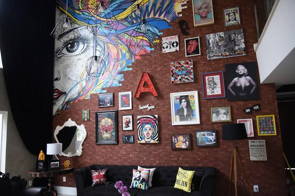 Casa da Anitta com grafite