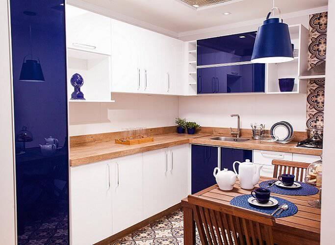 Cozinhas Planejadas para Apartamentos Pequenos armários azuis leroy