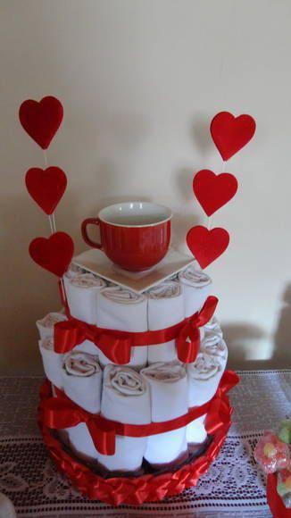 Decoração de chá de panela - Bolo de toalhas de banho