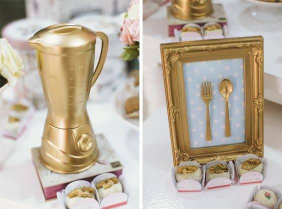 Decoração de chá de panela - Lembrancinhas douradas
