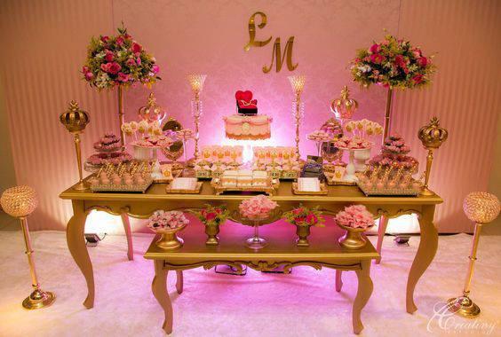 Decoração de festa de 15 anos - Mesa de doces estilo princesa