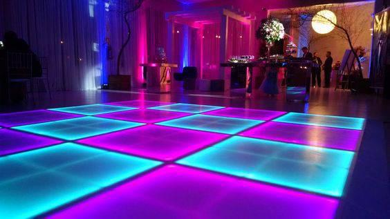 Decoração de festa de 15 anos - Pista de dança neon