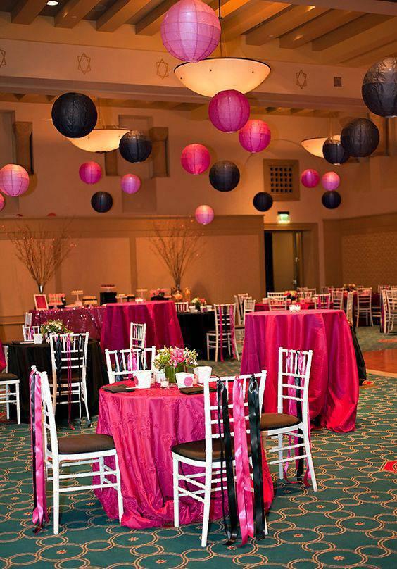 Decoração de festa de 15 anos - Salão em preto e rosa